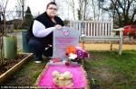 母為亡女造「粉紅墳墓」 墓園卻要求拆除