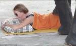 重量級按摩! 遊客湧入泰國搶著被象踩