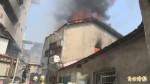 彰化菜市場老厝驚傳火警 延燒隔壁倉庫