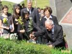 蔣介石銅像遭惡搞 林義雄:年輕人要國民黨反省