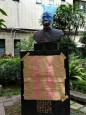 北一女蔣公銅像 遭垃圾袋套頭