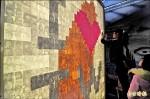 《豐原燈區》千餘照片 拼「愛台灣」燈牆