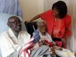 紐約結婚82年夫妻齊慶生 2人相加212歲