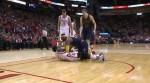 NBA》打球還是摔角?詹皇壓制貝佛利在地釀衝突