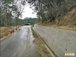 永和山單車道設擋土牆 民眾:變醜了