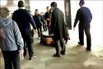 101觀景台搶廁所 中國人打倒中國人