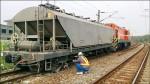 台鐵貨車出軌 耽誤2萬旅客
