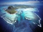 美麗的錯覺 模里西斯「海下瀑布」令人驚艷