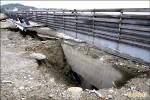 富岡海堤破洞半年 擬九月修復