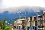 明天過後?海岸山脈雲瀑狀如海嘯!