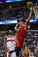 NBA》巫師遭火箭撞暈 季後賽門票再等等