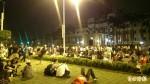 03:00 總統府前抗議 現場建急救、物資站