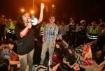 反黑箱亞投行 學生團體衝總統府抗議