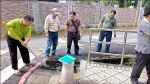 灌溝堵塞積水3天 議員親自「疏通」