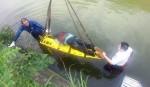 疑騎車轉彎不慎 男墜溪溺斃