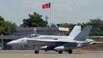 美軍2架F-18C 迫降台南機場