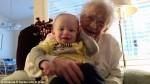 生命的最初與最終!101歲高齡嬤抱孫辭世網路爆紅