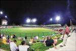 外野席地看球 球場改造成功