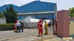 台南中鋼構乙炔鋼瓶儲存場冒火 警消噴水降溫
