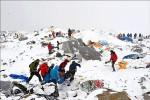 6.7餘震又雪崩 聖母峰二次受創