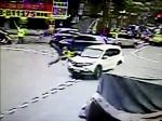 警被撞 空翻1圈僅輕傷