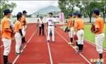 蕭美琴邀職棒教練 指導花蓮小將