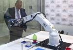 機器人搶工作 富士康昆山廠近3年大砍近6萬人