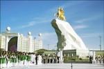 土庫曼總統 打造金身雕像