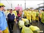 白沙屯媽祖進香 400公里冒雨來回
