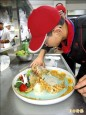 餐飲熱身賽 9校學子秀雕工