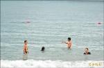 大海在眼前 東海岸國中小都沒泳池