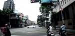 要左轉還是右轉? 轎車過紅綠燈270度大甩尾
