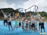 劍湖山水樂園開放 比基尼女郎戲水消暑