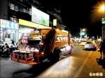 高雄80老垃圾車配濾煙器 廢氣消毒