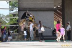 「侏羅紀世界」熱潮 搭台南公車看恐龍