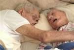 至死不渝 英75年老夫妻在彼此懷裡相繼離世