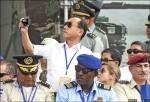 馬主持戰力展示 日軍事代表忙拍照