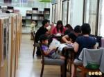 有誠品的FU! 南市安定圖書館設置臨窗閱讀區