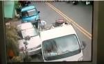車停路邊被撞 車主po影片6萬人點閱