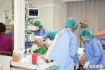 勞動部:塵爆醫護人員可加班 但須適時休息