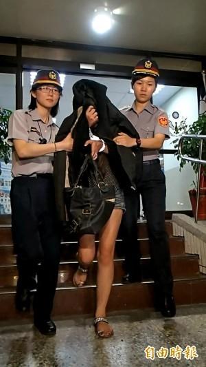 通緝女毒蟲躲熄火汽車內 眼尖警開3槍逮人