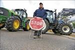 錢難賺 法農民封路阻德西產品入境