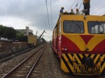 台鐵路竹段卡車扯斷電車線   影響恐逾萬人