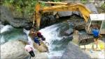 溯溪被沖走 卡石縫6小時溺斃