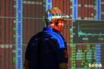 電子股不振  台股早盤一度大跌180點
