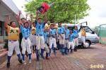 催生台灣棒球之光 扶輪社捐交通車