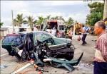 自小客車撞電桿 一死四傷