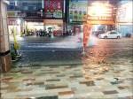 台南安中路又成河 民怒「雨下20分鐘就淹」