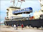 機捷列車車廂到啦 500噸超重吊車出馬
