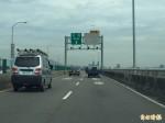 颱風吹落快速道路指示牌 一月未修引民怨